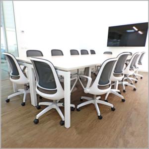 Mesas de conferencia